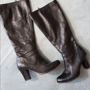 Born black leather boots 6.5